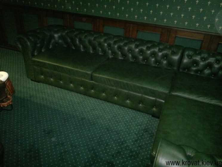 диван в більярдну кімнату