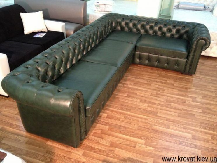 кутовий диван з гудзиками