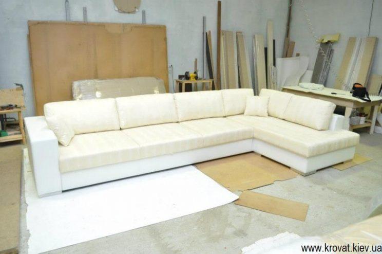 білий кутовий диван на замовлення