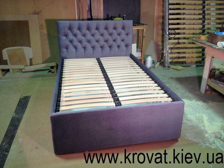 высокая кровать с ящиками