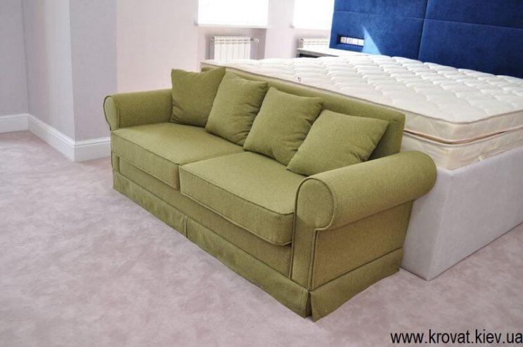 классический зеленый диван