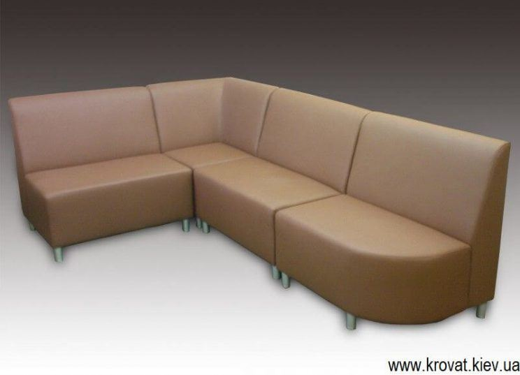 бежевый диван для кафе