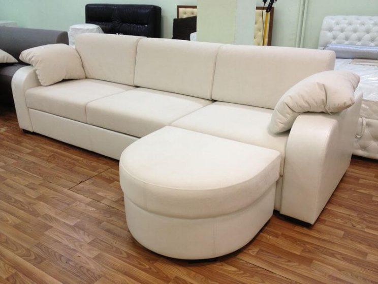 білий диван
