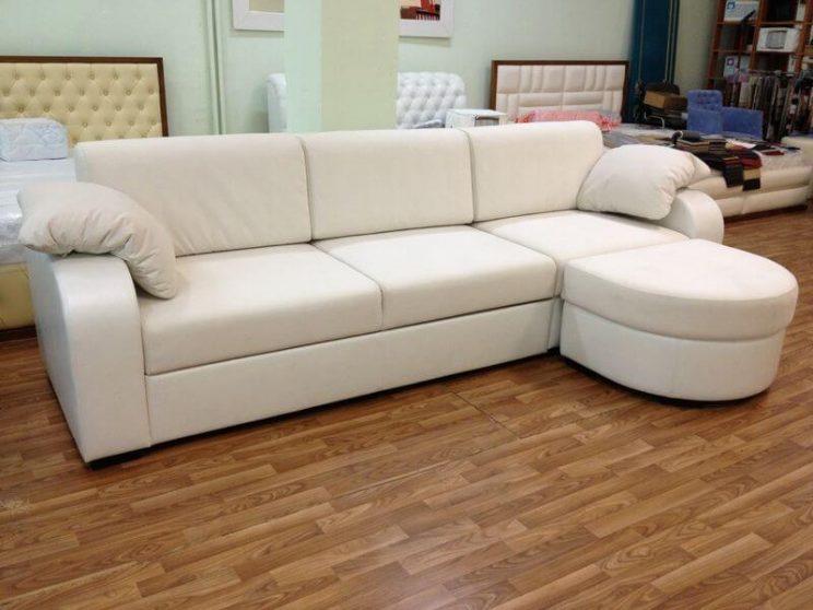 белый диван с пуфом на заказ