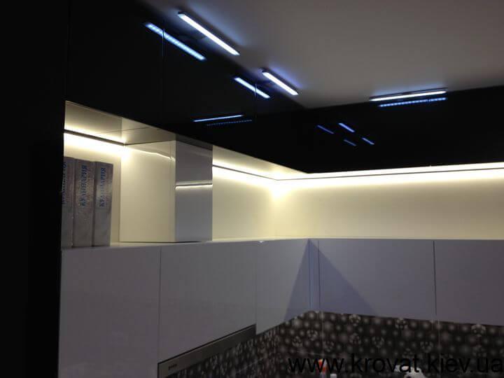 интерьер черно белой кухни