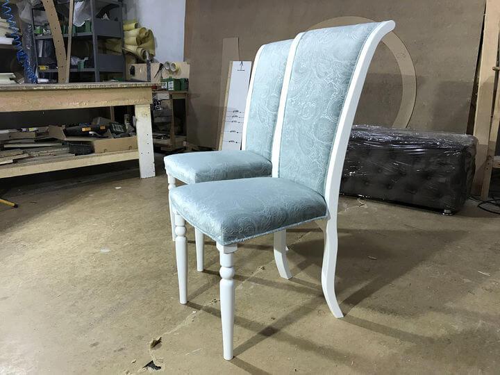 деревянные стулья с мягкой обивкой на заказ