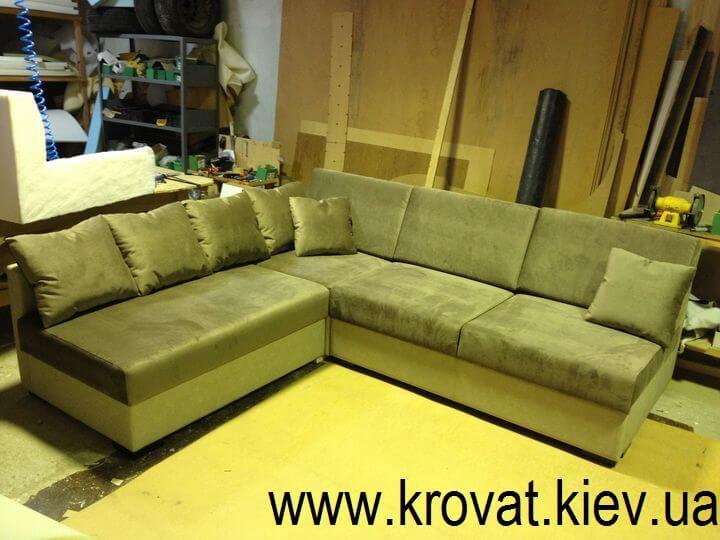 кутовий диван без боковин