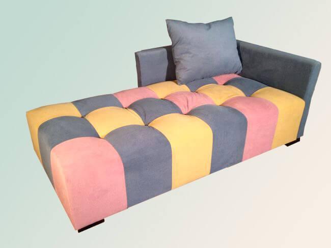 диван для відпочинку