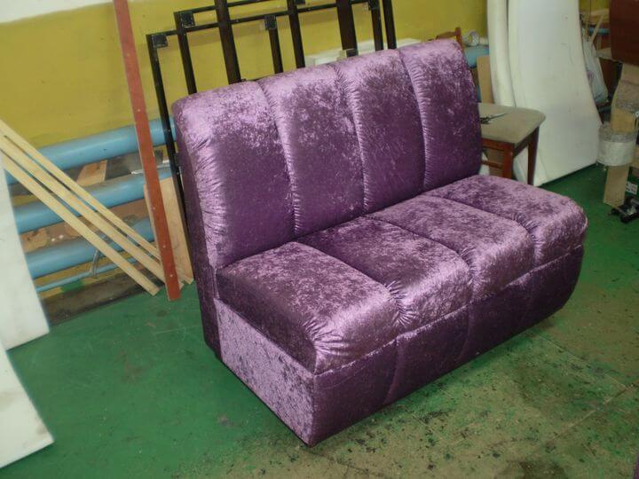 мягкая мебель в кафе