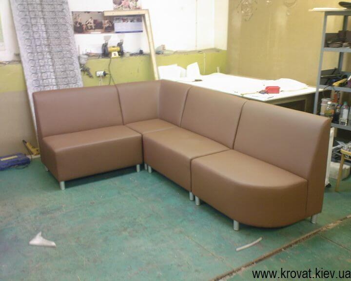 заказной диван в кафе