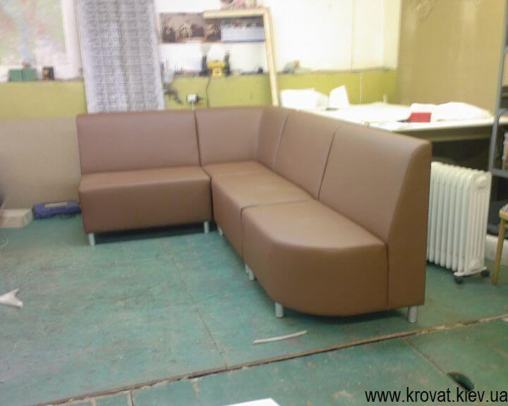 производитель мебели в кафе