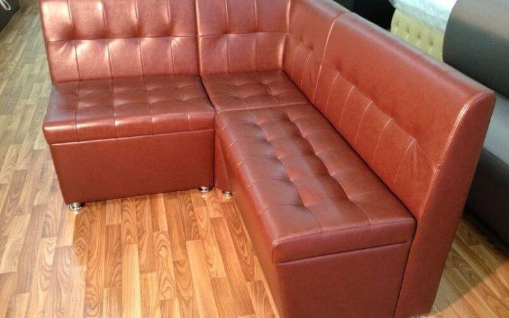 зручний диван для ресторану