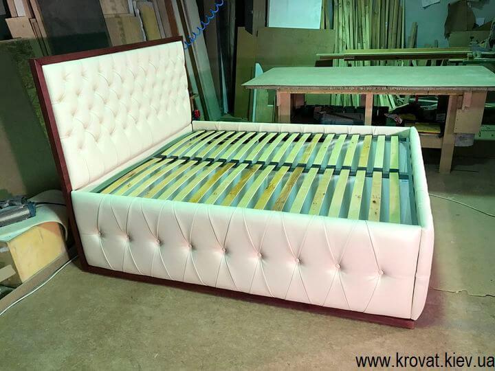 фабрика кроватей с высоким подиумом