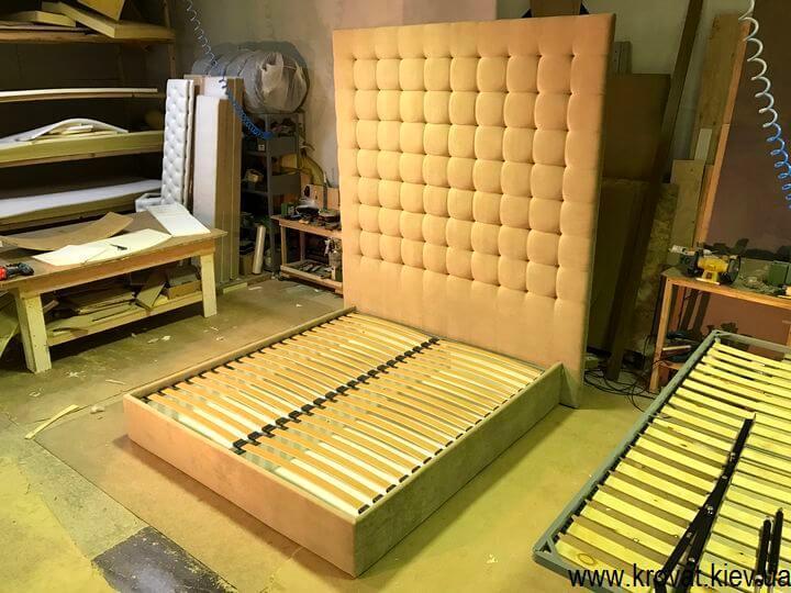фабрика кроватей с высоким изголовьем