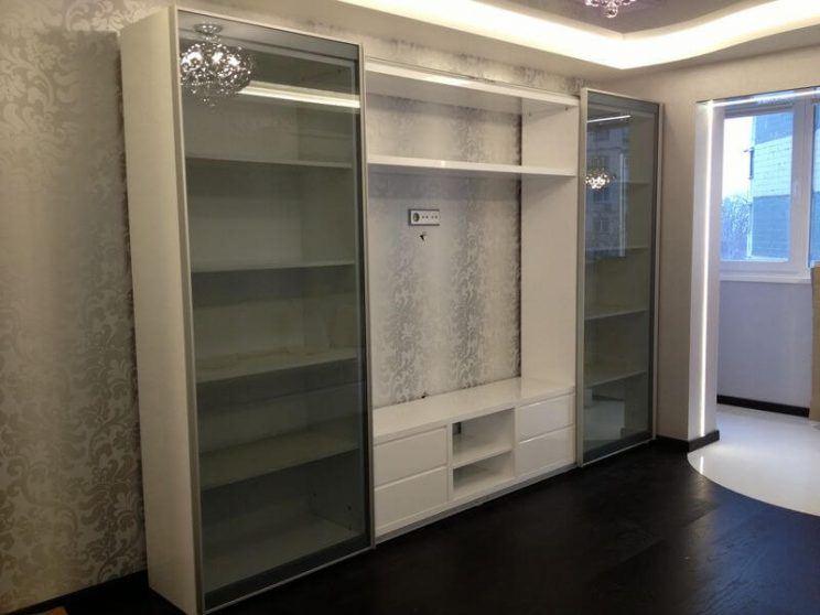 белый раздвижной шкаф