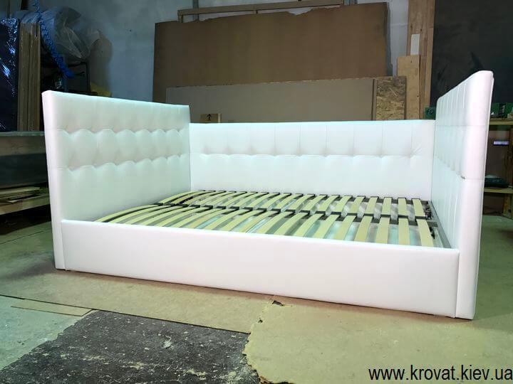 магазин кроватей с тремя спинками на заказ
