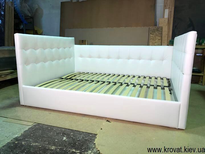изготовление кроватей с тремя спинками по фото