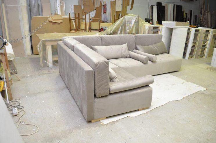 мягкий диван на заказ для бара