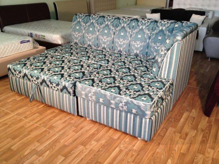 розкладаючийся диван