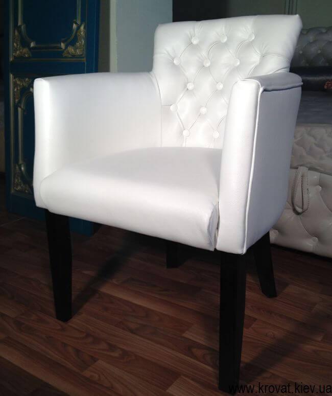 кресло для кафе в кожзаме