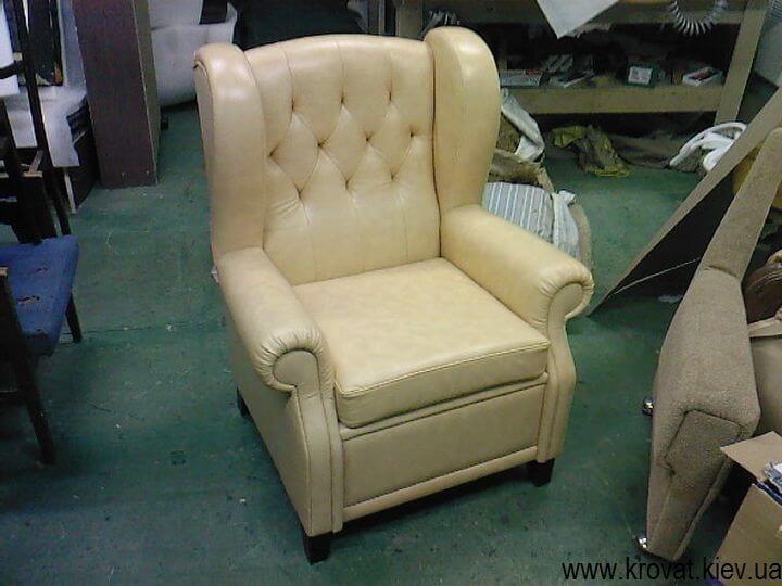 крісло в англійському стилі з вухами