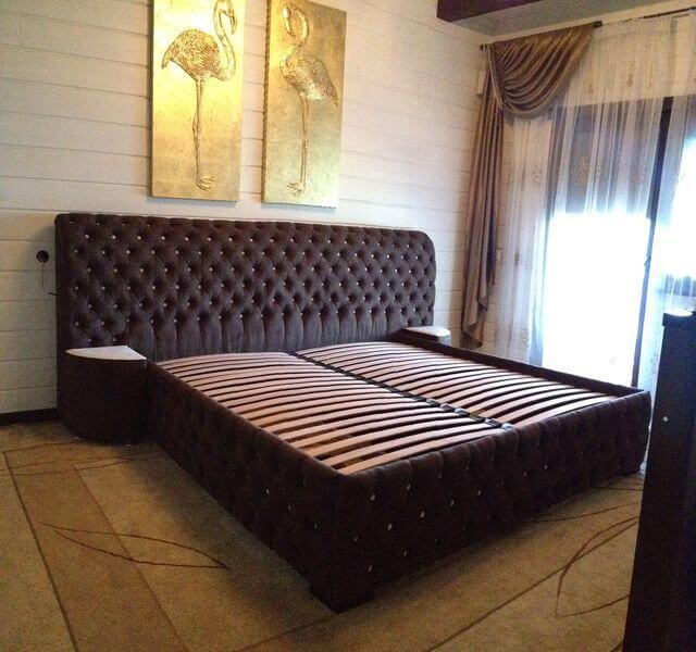 ліжко з каретною стяжкою на замовлення