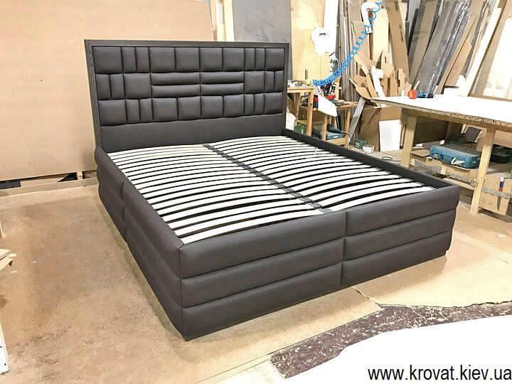 брендовые кровати с высоким подиумом на заказ