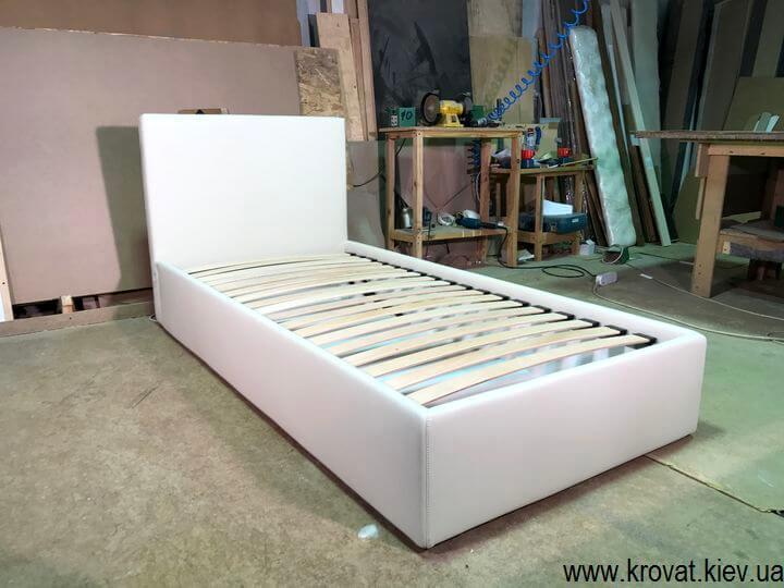 односпальные кровати с мягкими изголовьями
