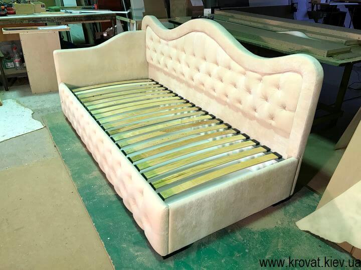 кровати с нишами для подростков