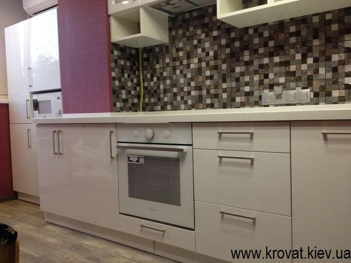 кухня с фасадами на заказ