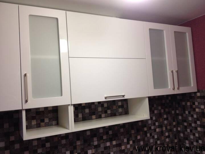 кухня с крашенными фасадами на заказ