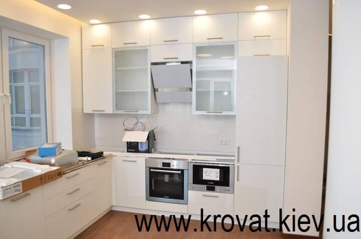 кухня в белом цвете на заказ