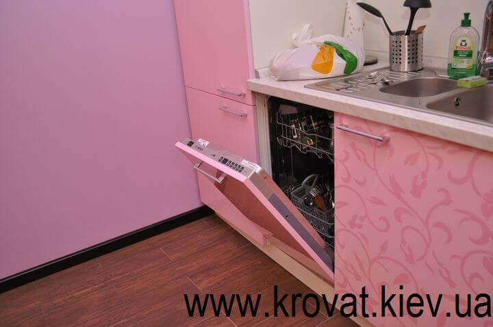 дизайн розовой кухни