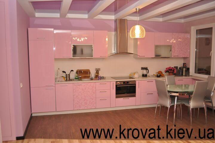 прямая розовая кухня