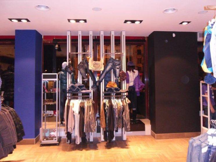 производство мебели для магазина