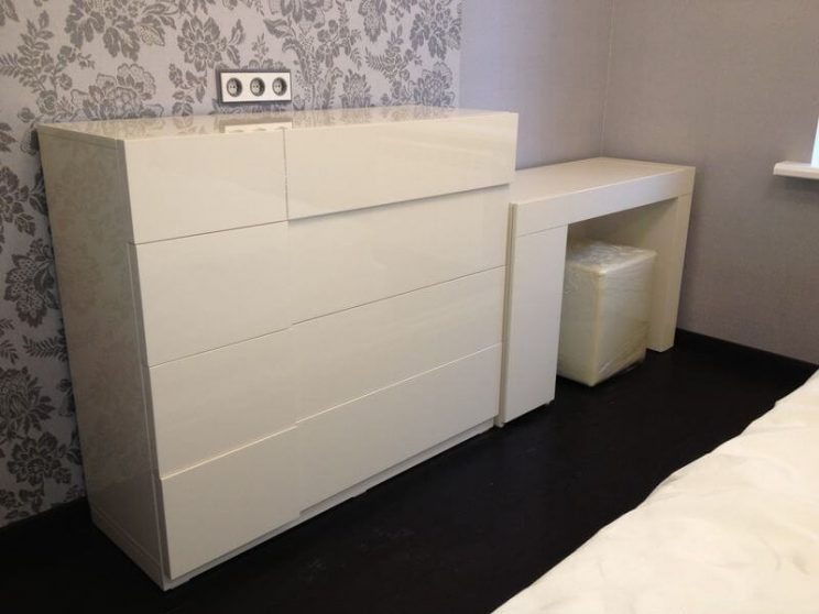 мебель в спальню глянцевая