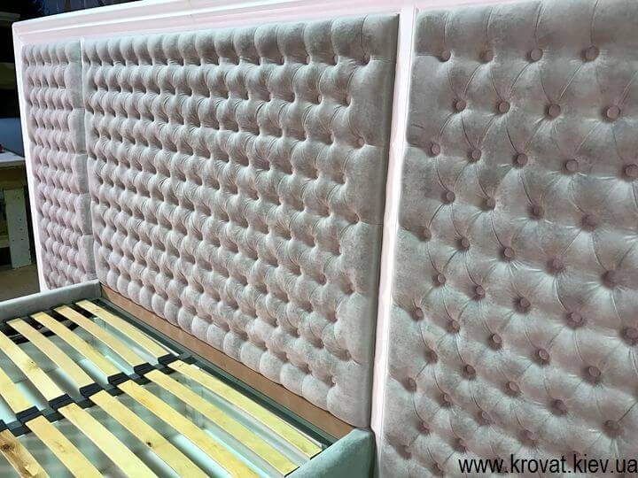 мягкие кровати с широким изгловьем
