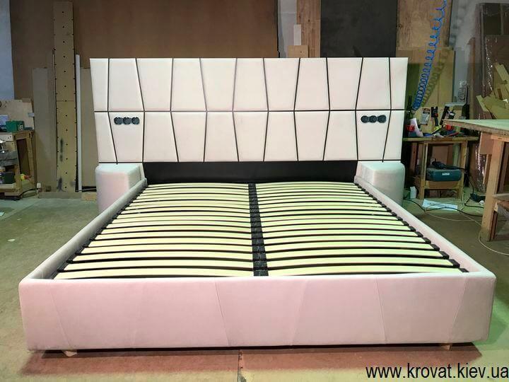 большие мягкие кровати