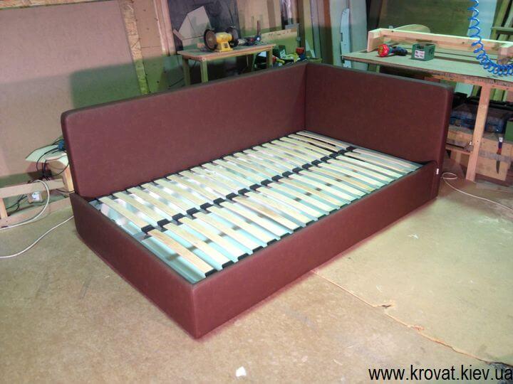 полуторные мягкие кровати