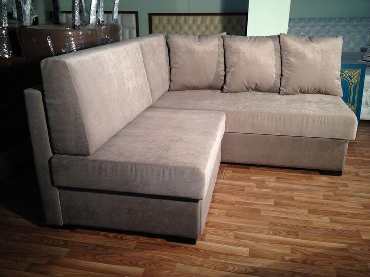 маленький кутовий диван на замовлення