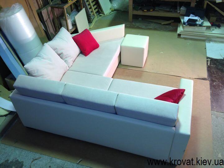 кутовий нестандартний диван