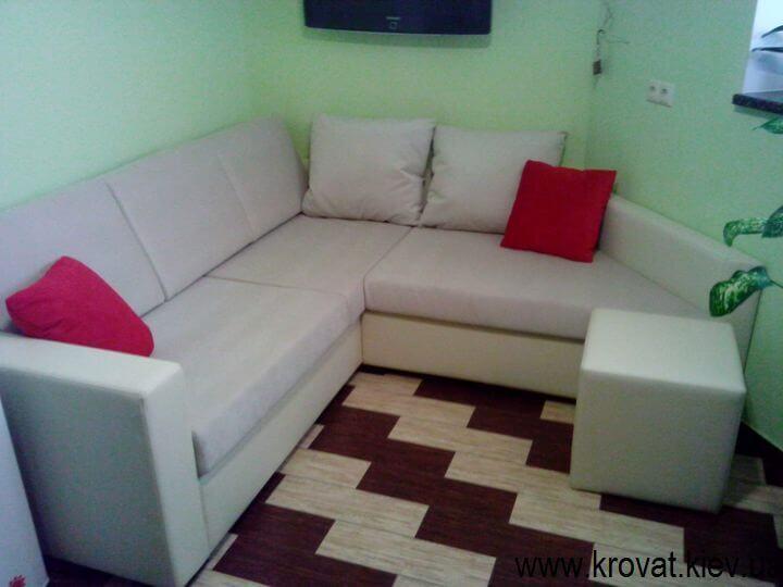 угловые диваны для кухни студии