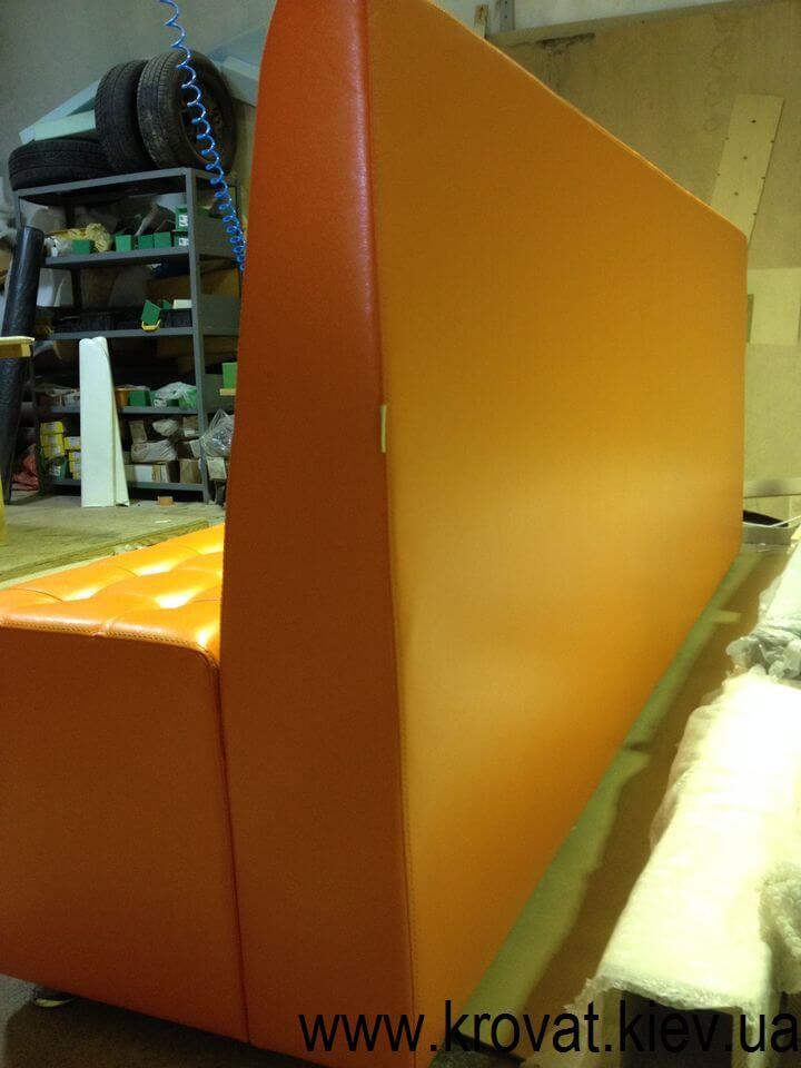 производство диванов в клуб