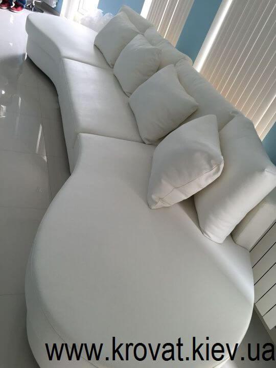 диван у вітальню