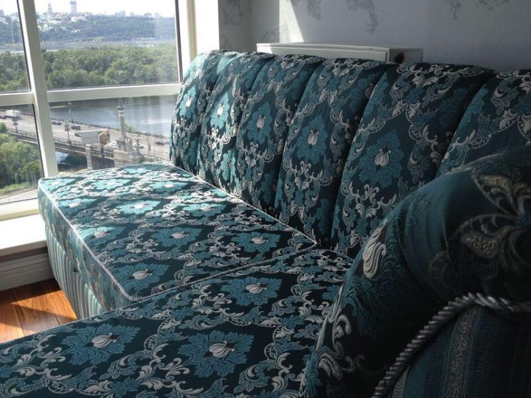 диван для вітальні