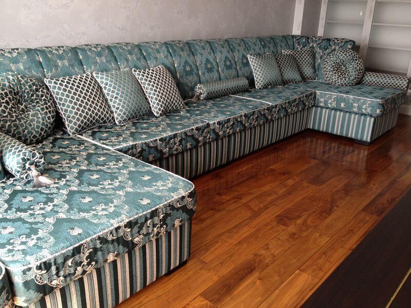 дивани в класичному стилі