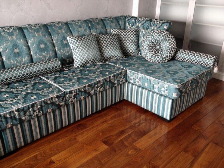 диван зі знімними подушками