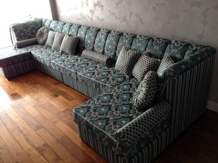 мягкий диван в гостиную