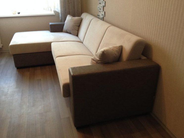 диван в комнату