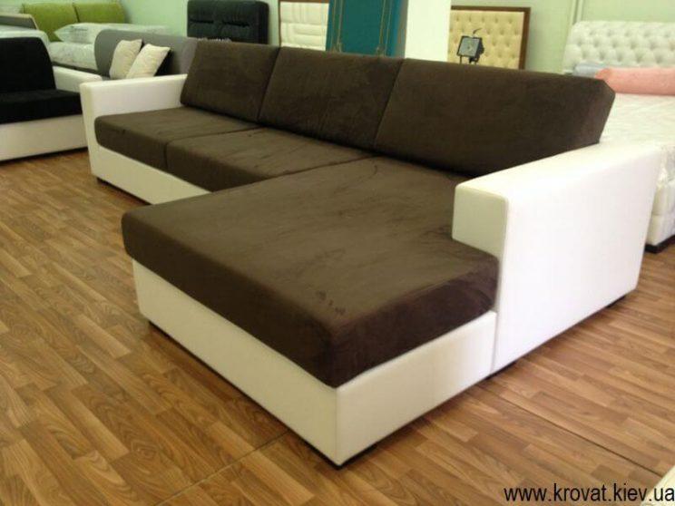 диван в інтер'єрі